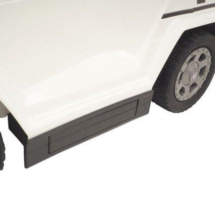 Электротолокар Mercedes-Benz G63 AMG 6x6 белый (педаль газа, музыка, свет фар, резиновые колеса, мягкое сиденье)